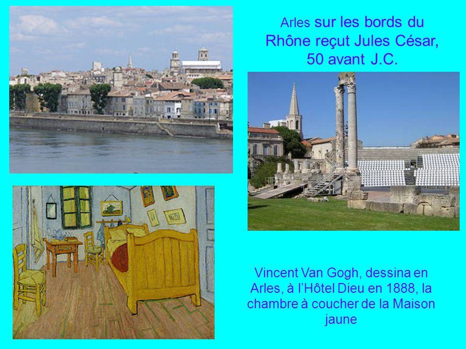 Arles sur les bords du Rhône reçut Jules César, 50 avant J.C.