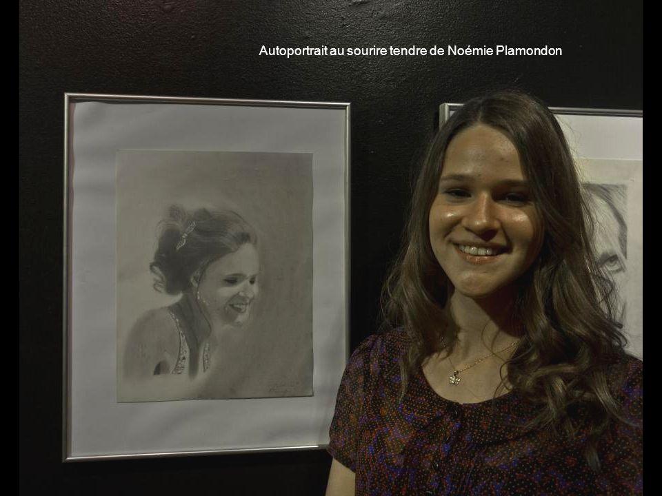 Autoportrait au sourire tendre de Noémie Plamondon