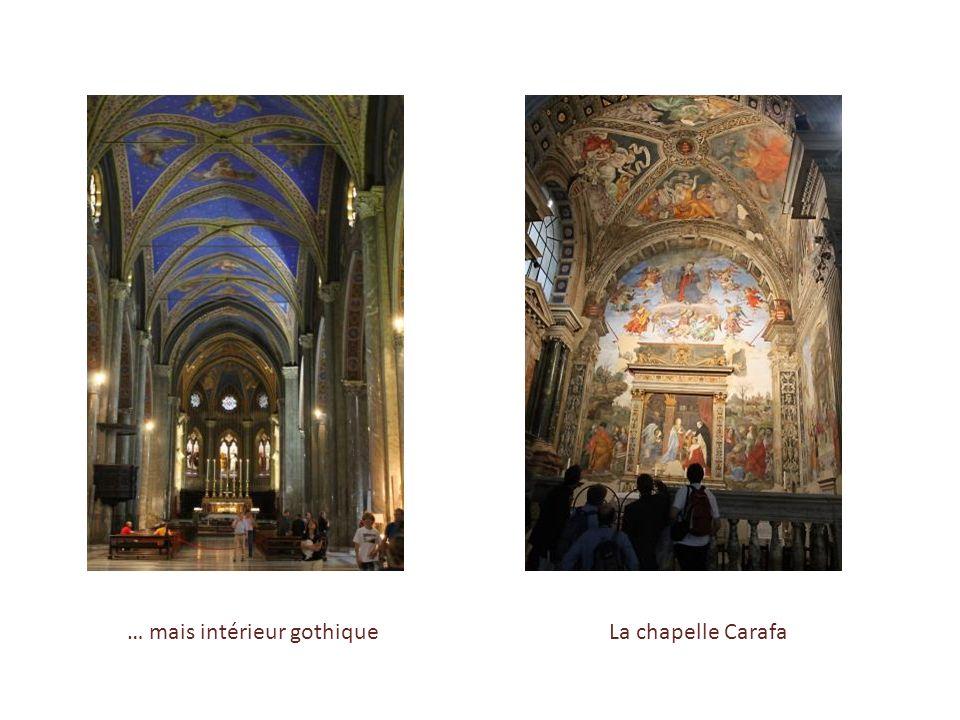 … mais intérieur gothique