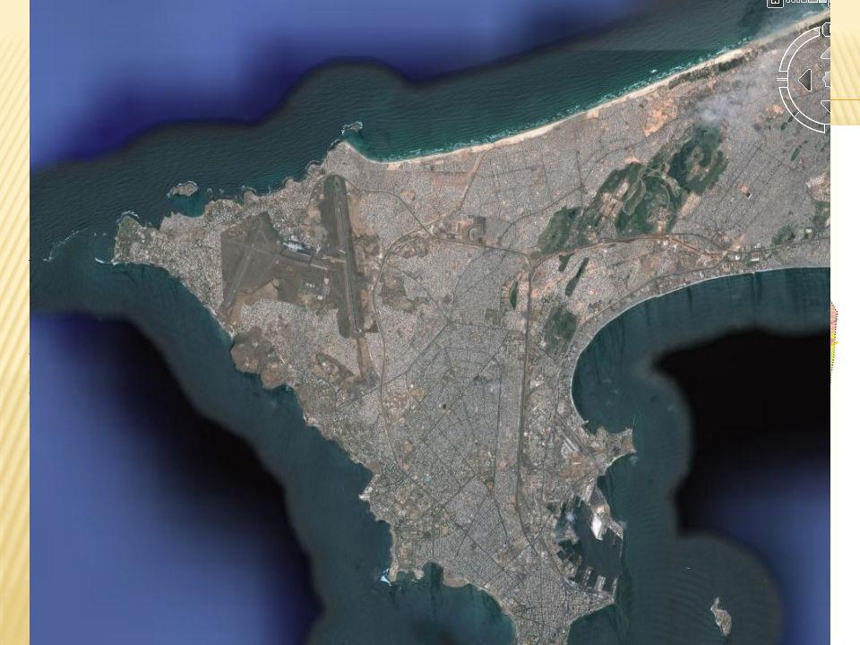 Dakar (Sénégal un promontoire à l extrémité de la presqu île du cap vert.