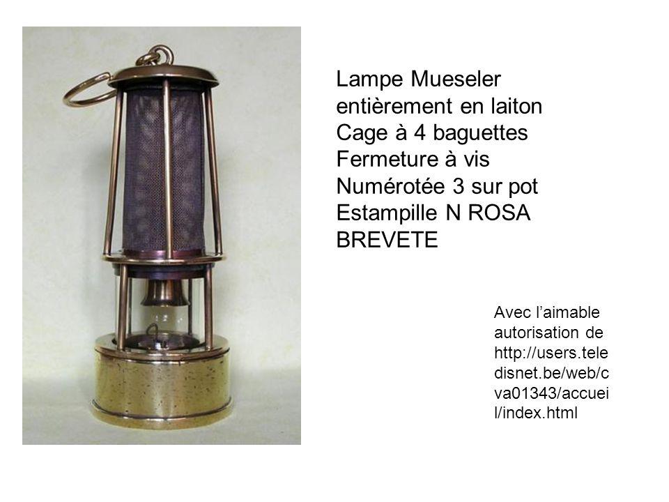 Lampe Mueseler entièrement en laiton Cage à 4 baguettes Fermeture à vis Numérotée 3 sur pot Estampille N ROSA BREVETE