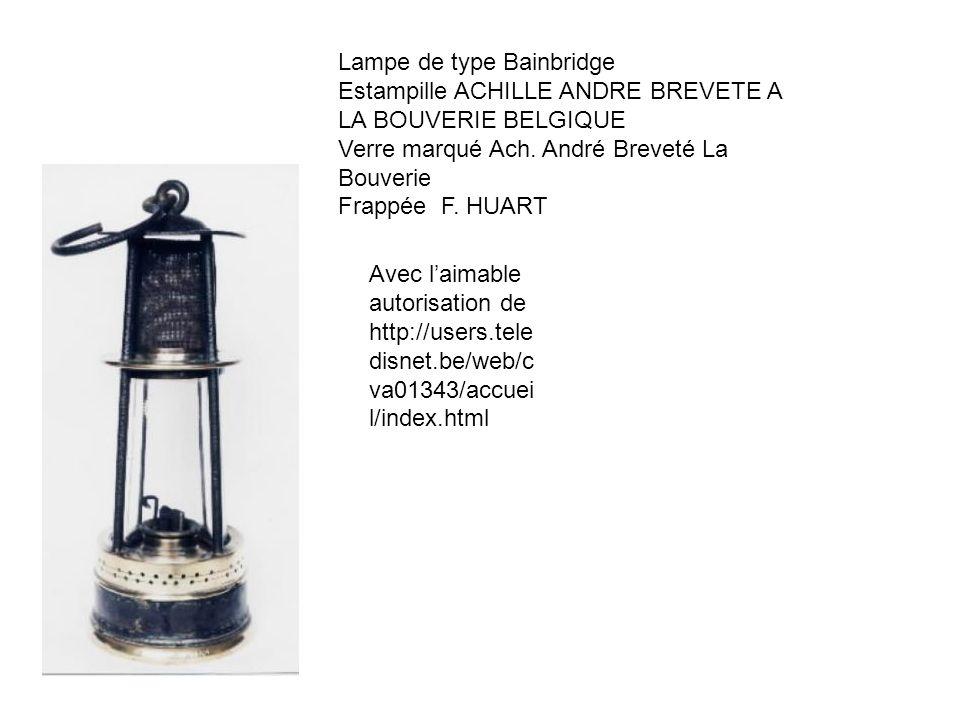 Lampe de type Bainbridge Estampille ACHILLE ANDRE BREVETE A LA BOUVERIE BELGIQUE Verre marqué Ach. André Breveté La Bouverie Frappée F. HUART