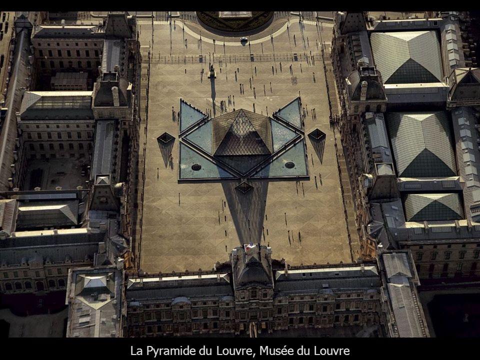 La Pyramide du Louvre, Musée du Louvre