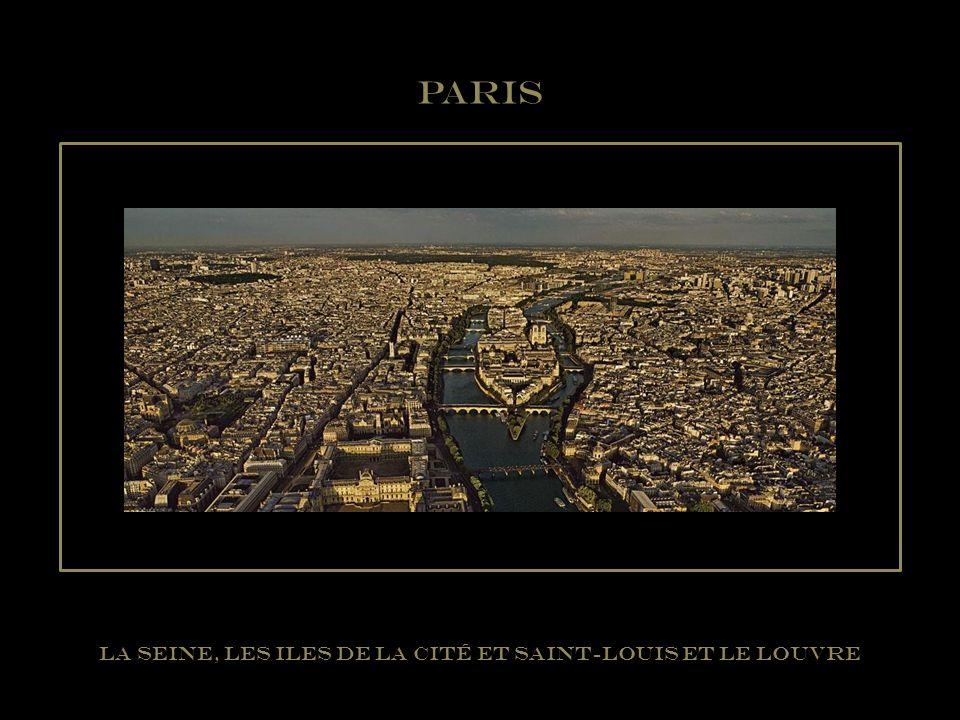 La Seine, les Iles de la Cité et Saint-Louis et le Louvre
