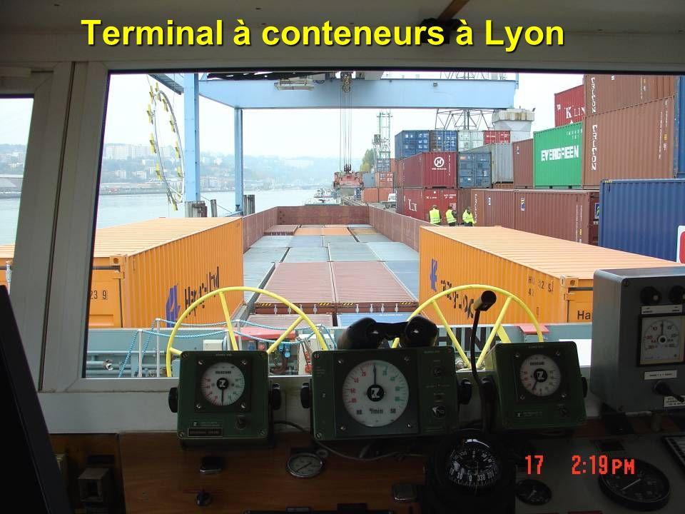 Terminal à conteneurs à Lyon
