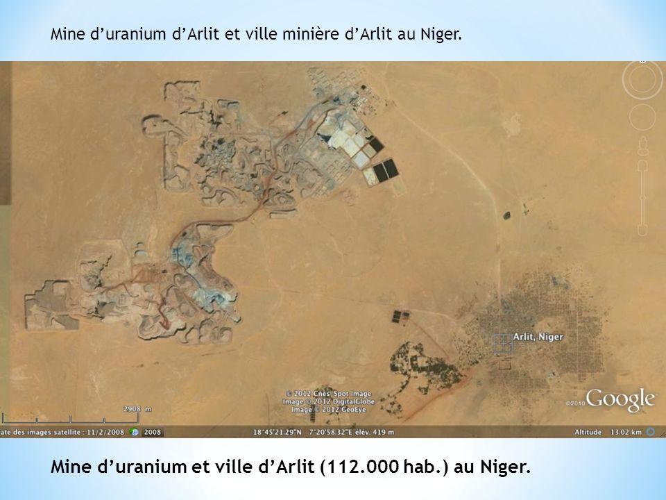 Mine d'uranium et ville d'Arlit (112.000 hab.) au Niger.