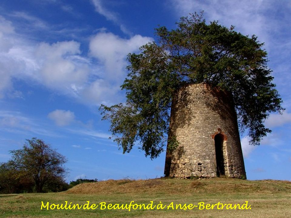 Moulin de Beaufond à Anse-Bertrand.