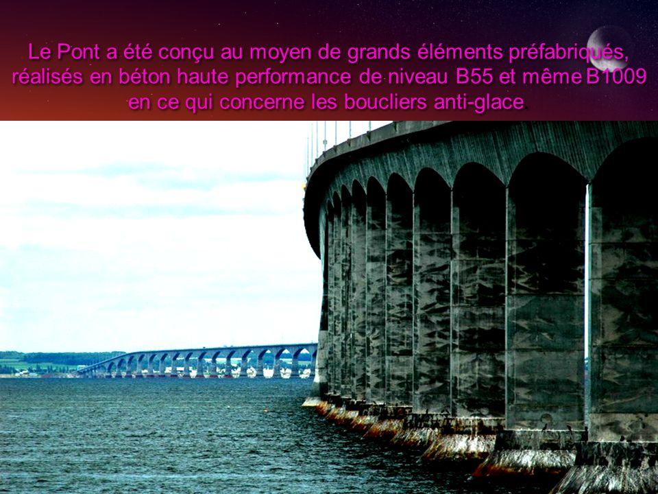 Le Pont a été conçu au moyen de grands éléments préfabriqués, réalisés en béton haute performance de niveau B55 et même B1009 en ce qui concerne les boucliers anti-glace.