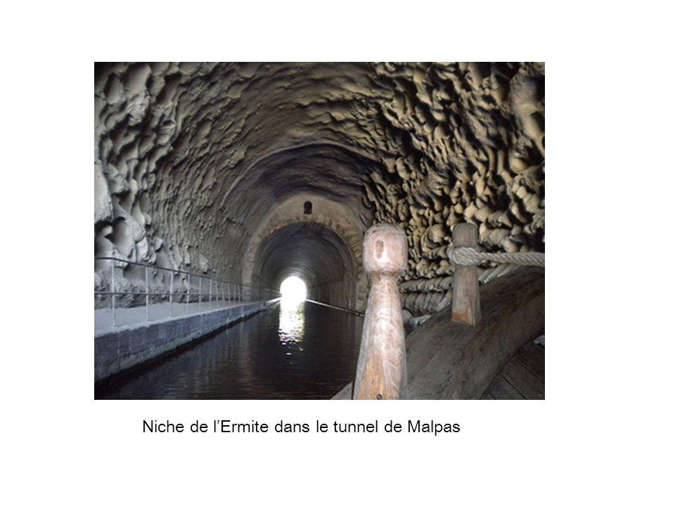 Niche de l'Ermite dans le tunnel de Malpas