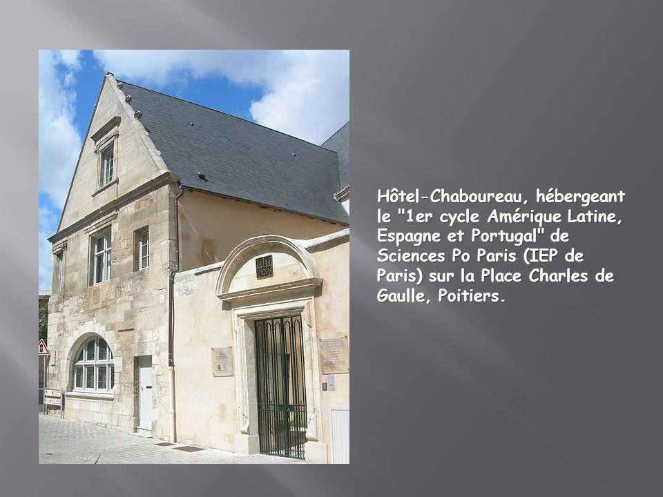 Hôtel-Chaboureau, hébergeant le 1er cycle Amérique Latine, Espagne et Portugal de Sciences Po Paris (IEP de Paris) sur la Place Charles de Gaulle, Poitiers.
