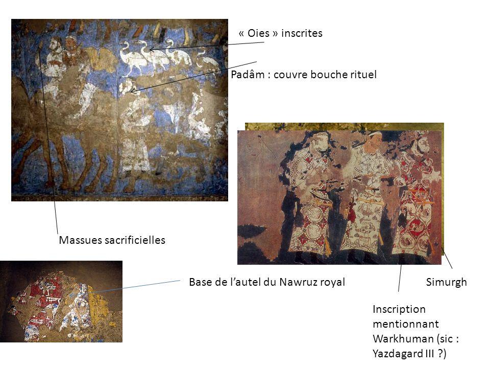 « Oies » inscrites Padâm : couvre bouche rituel. Massues sacrificielles. Base de l'autel du Nawruz royal.
