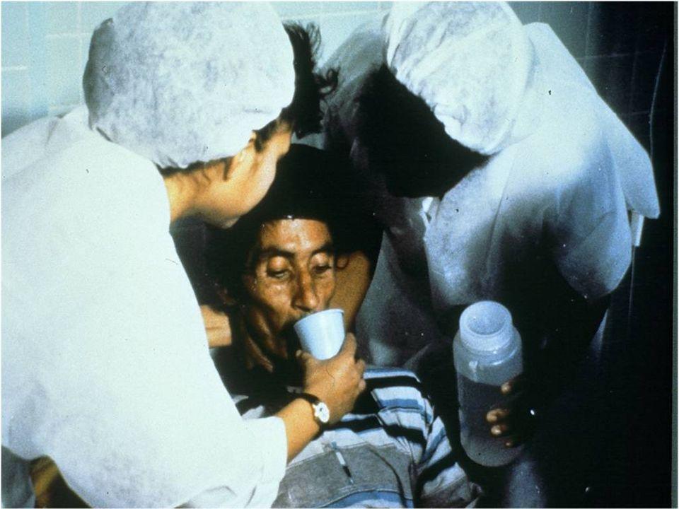 Le patient atteint de choléra devrait être encouragé à boire la SRO