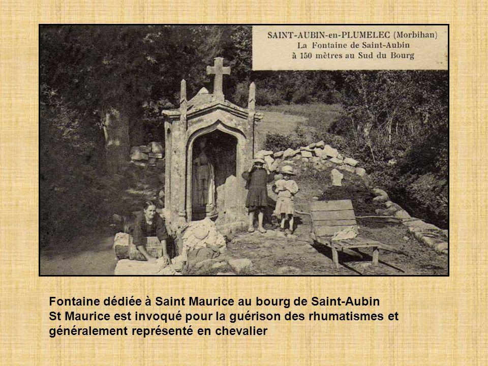 Fontaine dédiée à Saint Maurice au bourg de Saint-Aubin St Maurice est invoqué pour la guérison des rhumatismes et généralement représenté en chevalier
