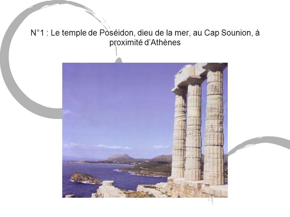 N°1 : Le temple de Poséidon, dieu de la mer, au Cap Sounion, à proximité d'Athènes