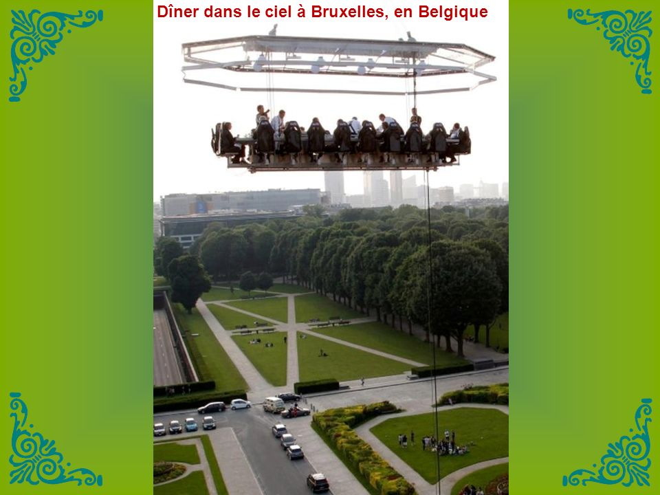 Dîner dans le ciel à Bruxelles, en Belgique