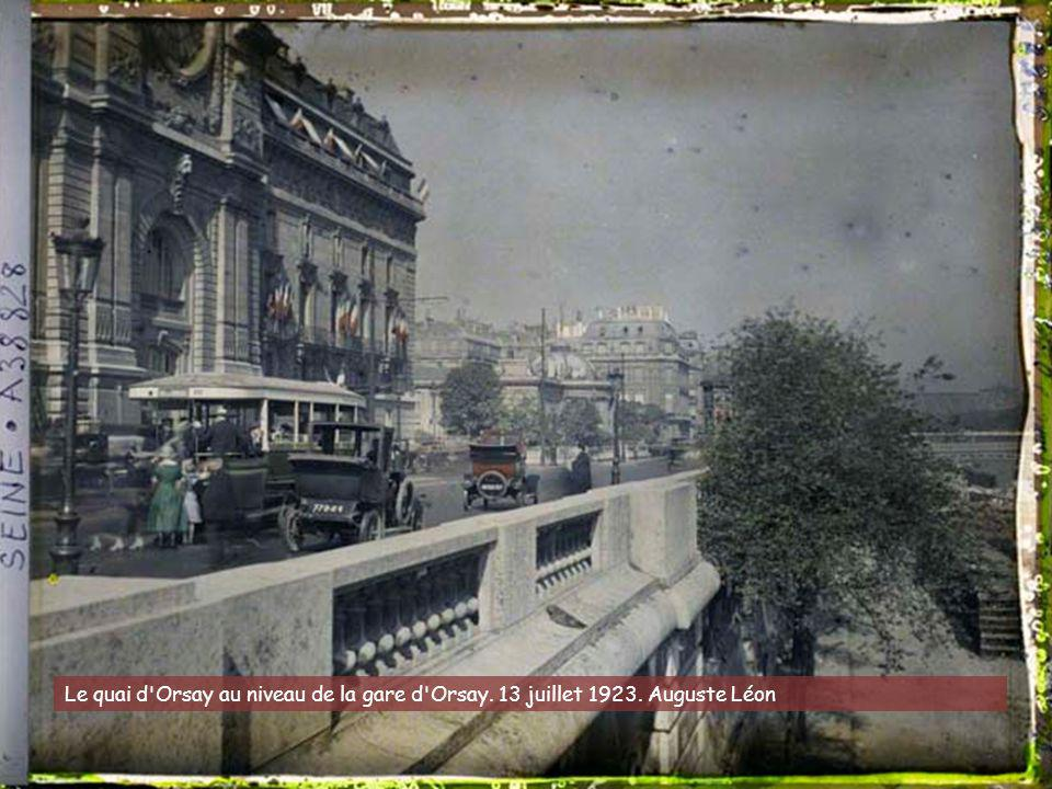 Le quai d Orsay au niveau de la gare d Orsay. 13 juillet 1923