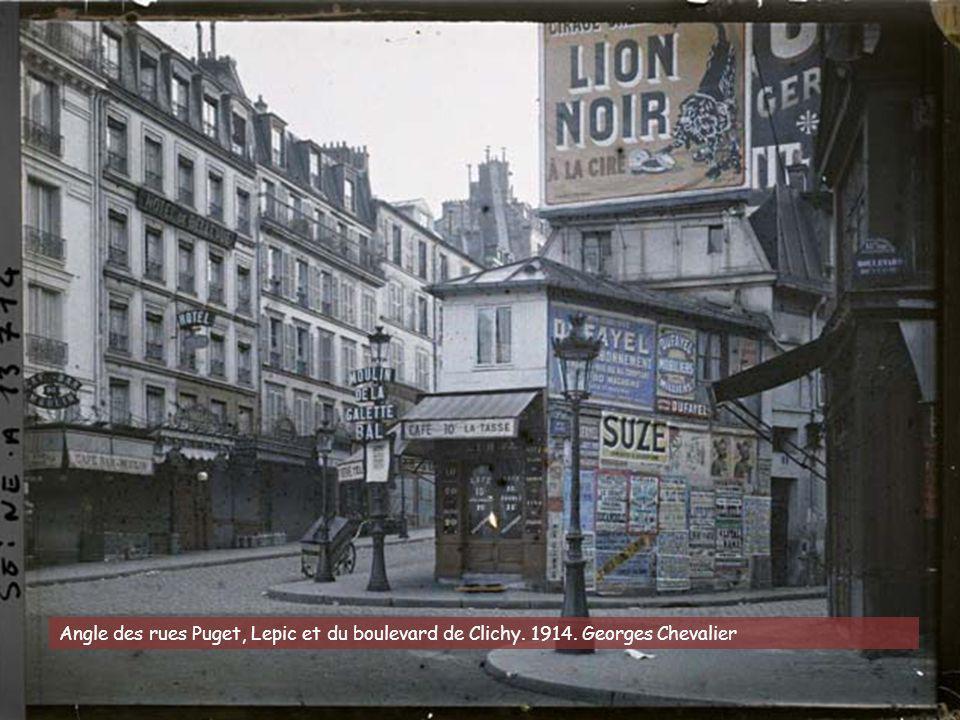 Angle des rues Puget, Lepic et du boulevard de Clichy. 1914
