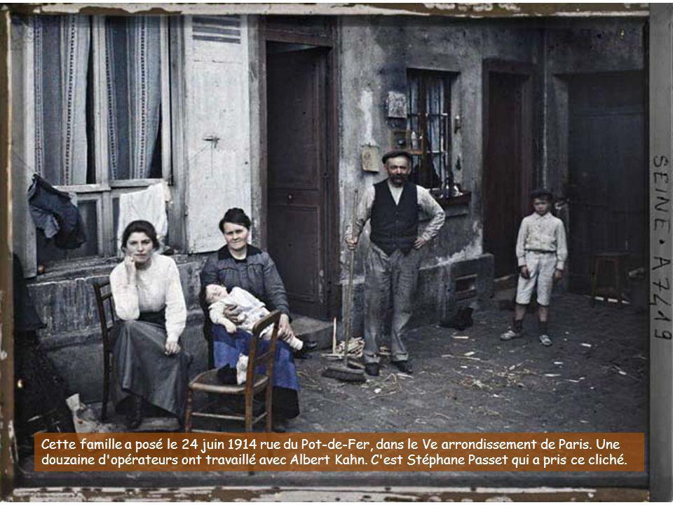 Cette famille a posé le 24 juin 1914 rue du Pot-de-Fer, dans le Ve arrondissement de Paris.
