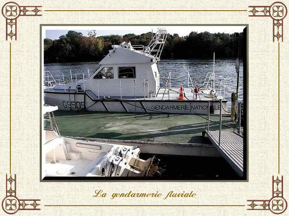 La gendarmerie fluviale