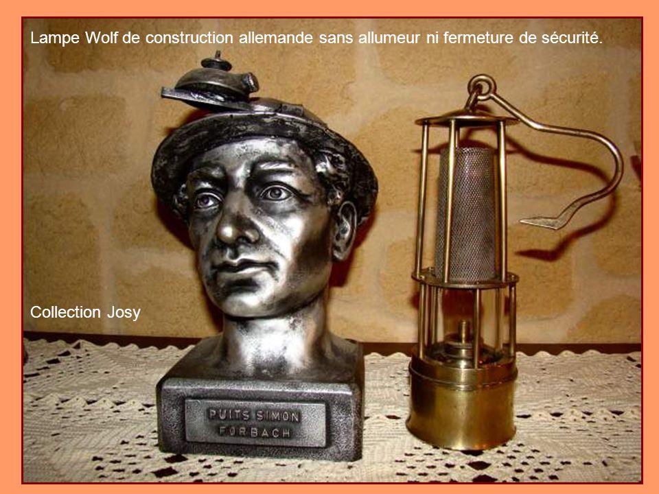 Lampe Wolf de construction allemande sans allumeur ni fermeture de sécurité.
