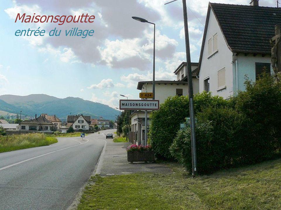 Maisonsgoutte entrée du village