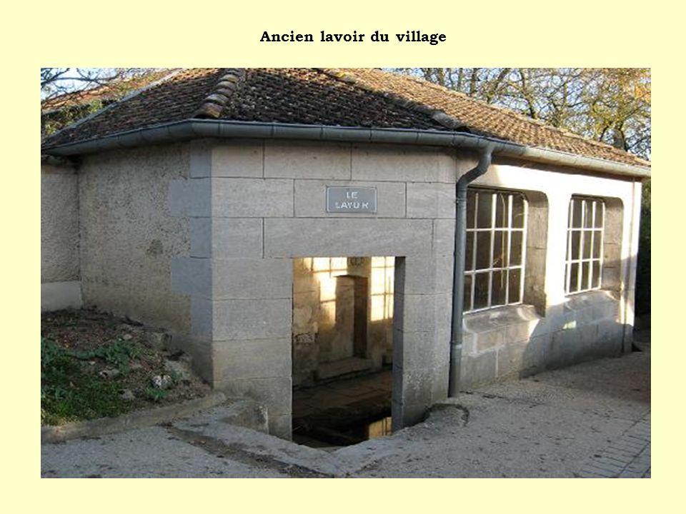 Ancien lavoir du village