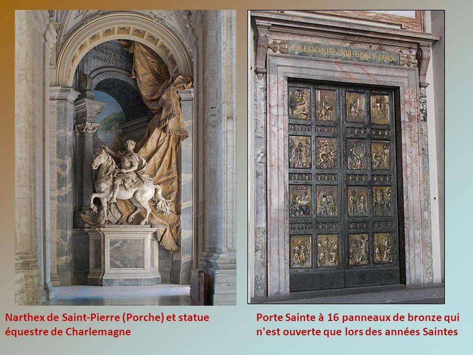 Narthex de Saint-Pierre (Porche) et statue équestre de Charlemagne