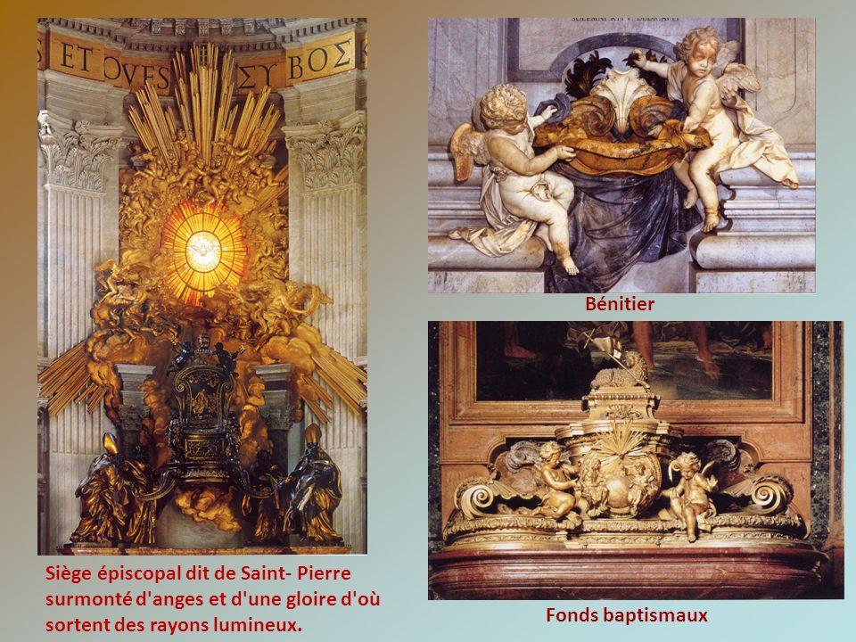 Bénitier Siège épiscopal dit de Saint- Pierre. surmonté d anges et d une gloire d où sortent des rayons lumineux.