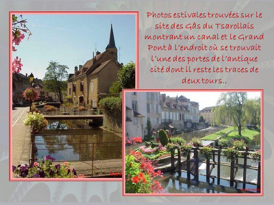 Photos estivales trouvées sur le site des Gâs du Tsarollais montrant un canal et le Grand Pont à l'endroit où se trouvait l'une des portes de l'antique cité dont il reste les traces de deux tours..
