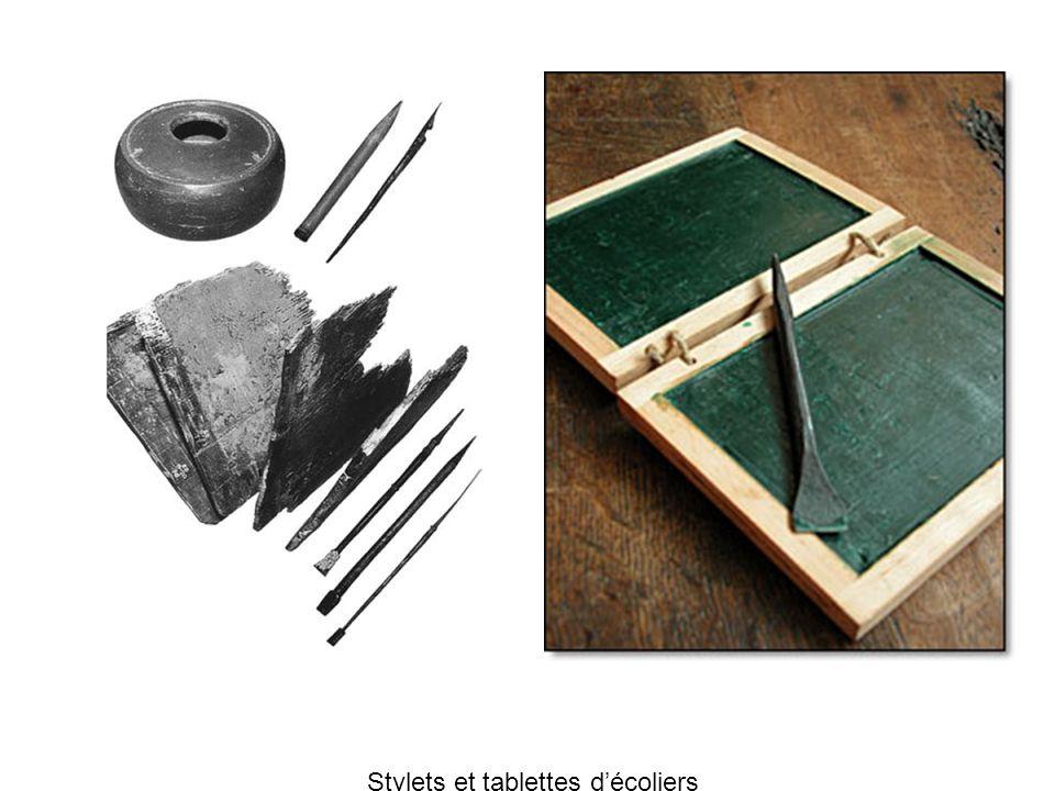 Stylets et tablettes d'écoliers