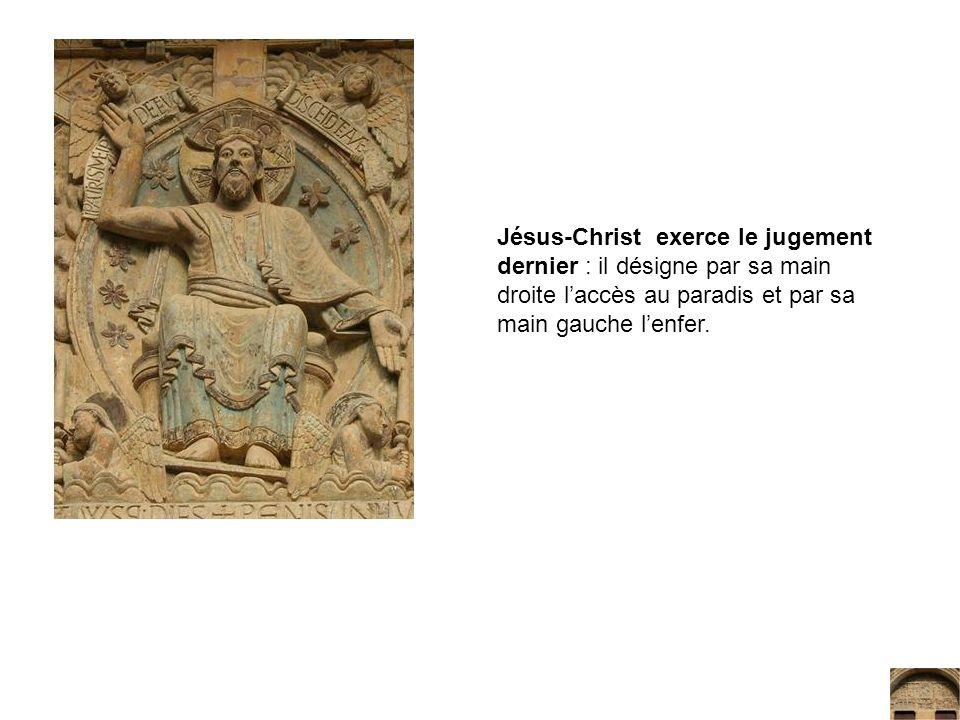 Jésus-Christ exerce le jugement dernier : il désigne par sa main droite l'accès au paradis et par sa main gauche l'enfer.