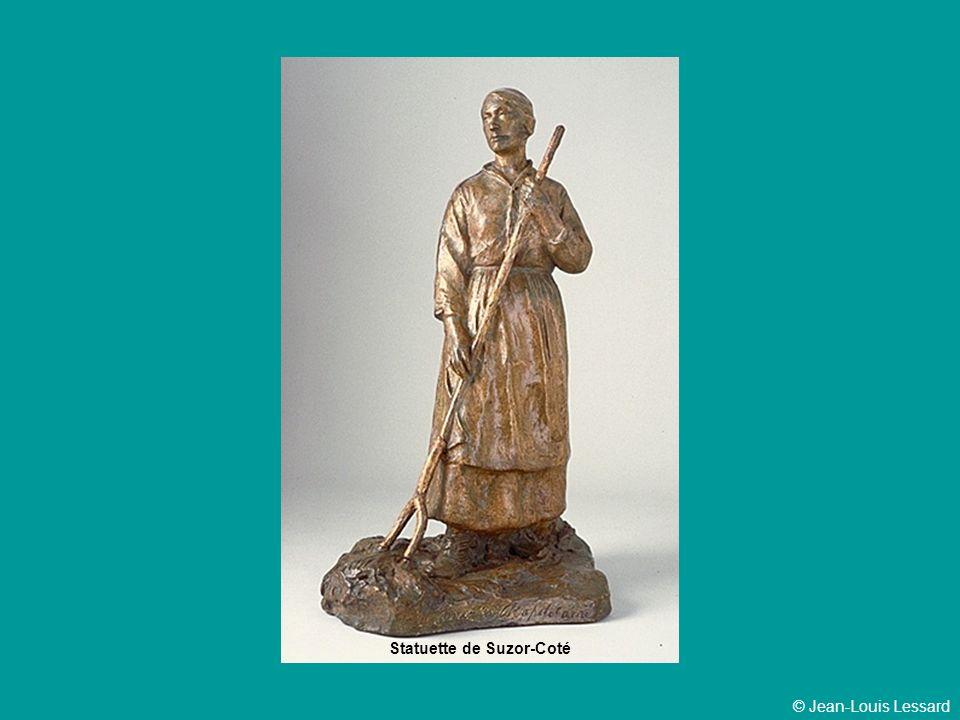 Statuette de Suzor-Coté