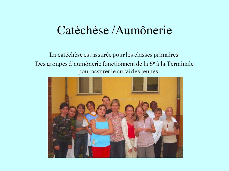 La catéchèse est assurée pour les classes primaires.
