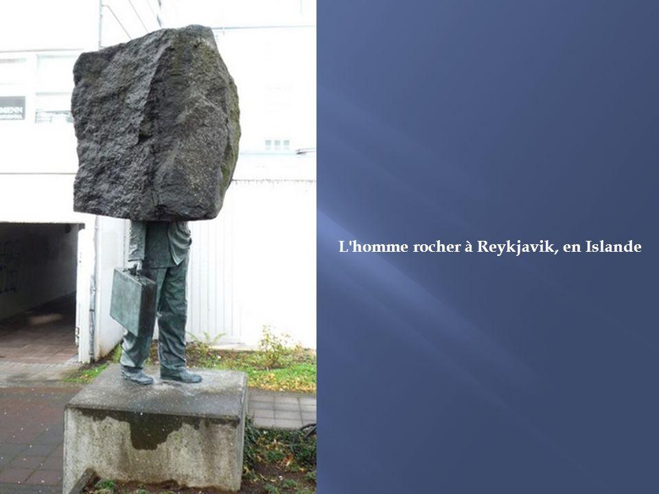 L homme rocher à Reykjavik, en Islande