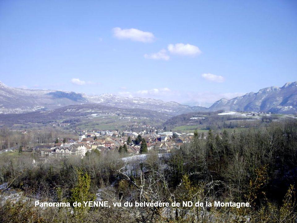 Panorama de YENNE, vu du belvédère de ND de la Montagne.