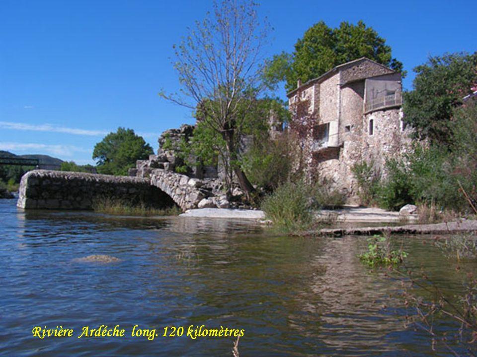 Rivière Ardéche long. 120 kilomètres