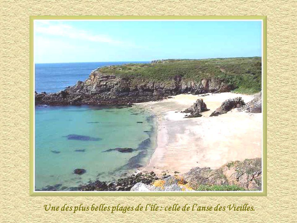 Une des plus belles plages de l'île : celle de l'anse des Vieilles.