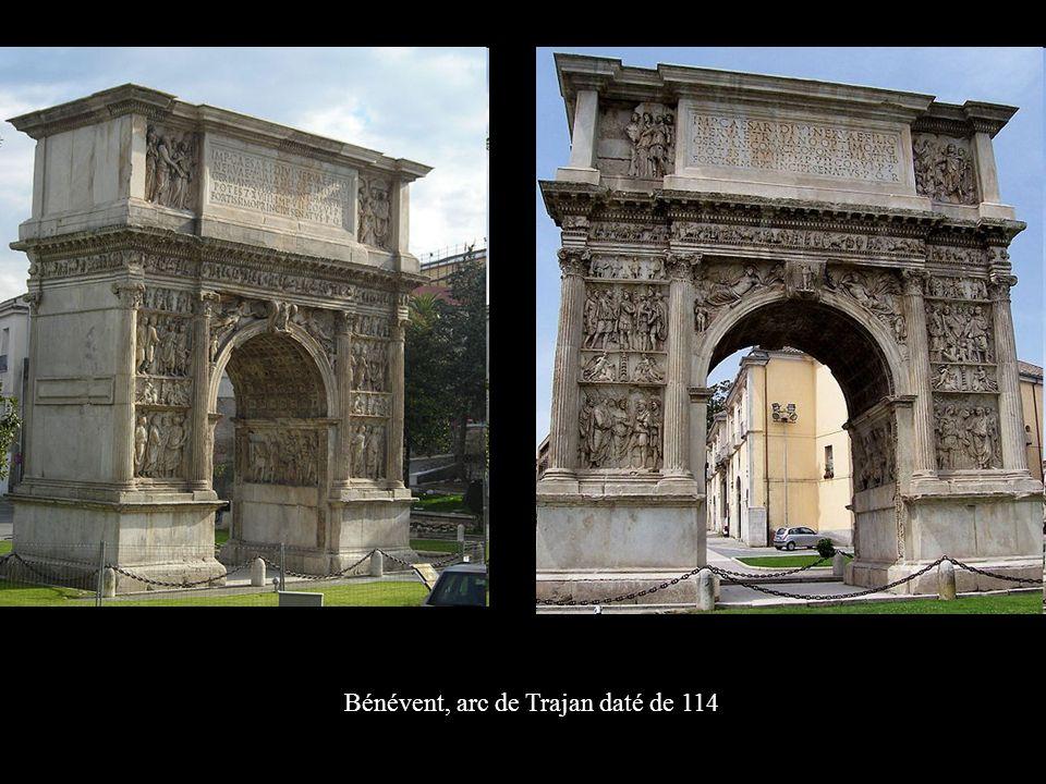 Bénévent, arc de Trajan daté de 114
