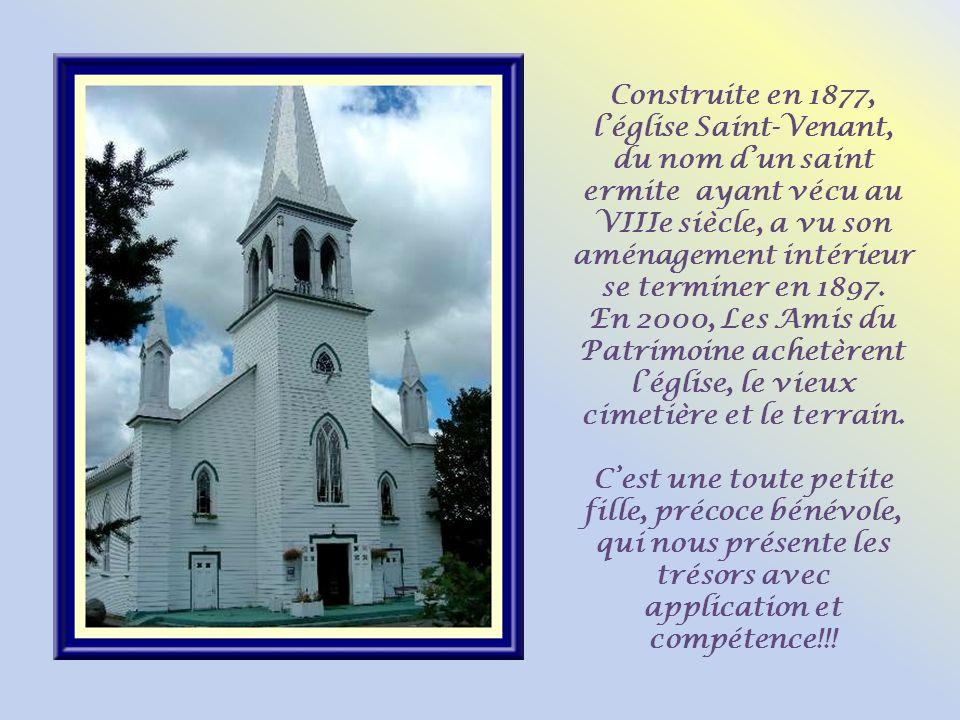 Construite en 1877, l'église Saint-Venant, du nom d'un saint ermite ayant vécu au VIIIe siècle, a vu son aménagement intérieur se terminer en 1897.