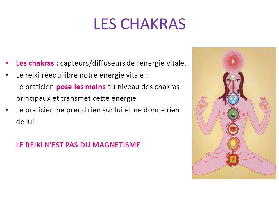 LES CHAKRAS Les chakras : capteurs/diffuseurs de l'énergie vitale.