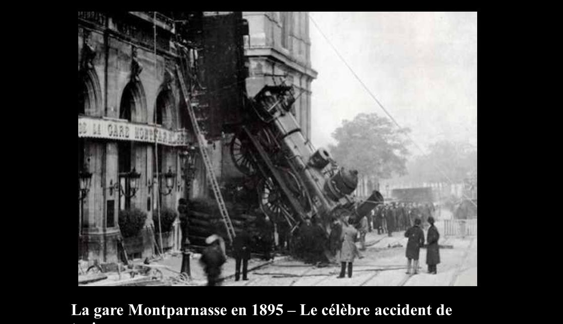 La gare Montparnasse en 1895 – Le célèbre accident de train