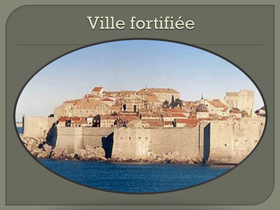 Ville fortifiée