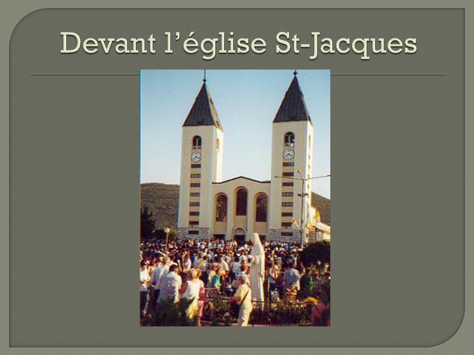 Devant l'église St-Jacques