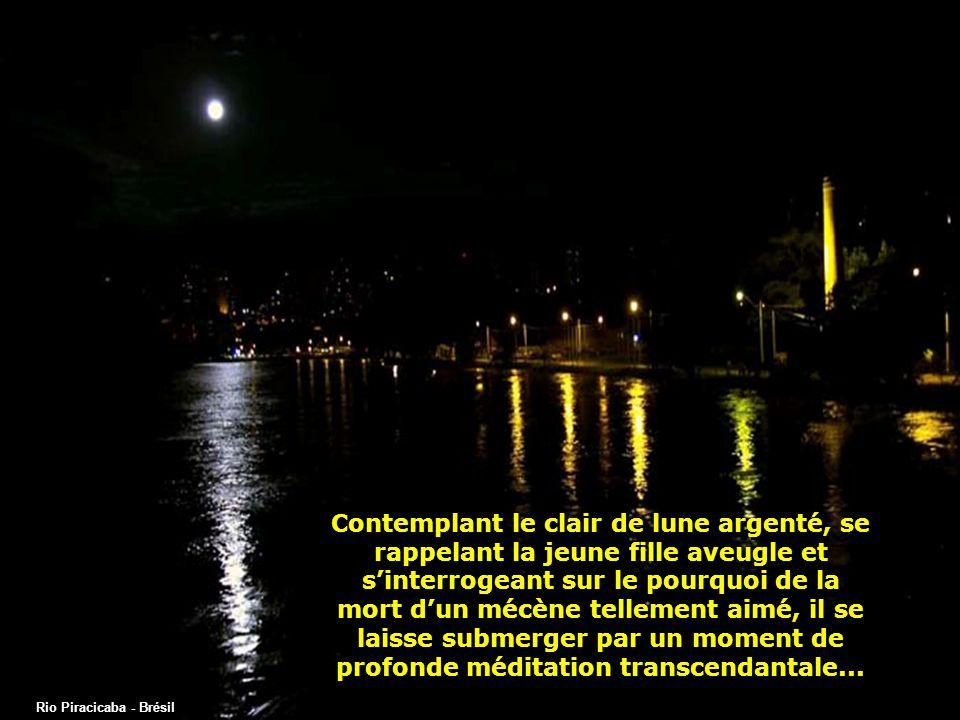 Contemplant le clair de lune argenté, se rappelant la jeune fille aveugle et s'interrogeant sur le pourquoi de la mort d'un mécène tellement aimé, il se laisse submerger par un moment de profonde méditation transcendantale...