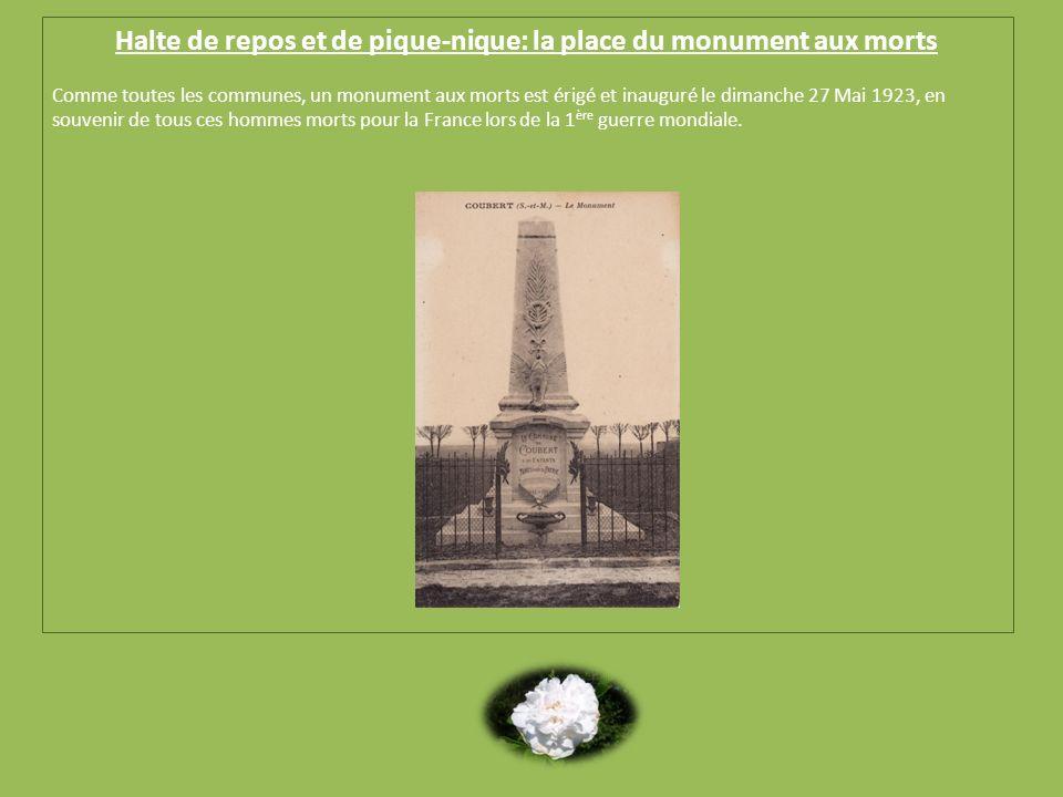 Halte de repos et de pique-nique: la place du monument aux morts