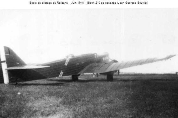 Ecole de pilotage de Relizane – Juin 1940 – Bloch 210 de passage (Jean-Georges Bouvier)