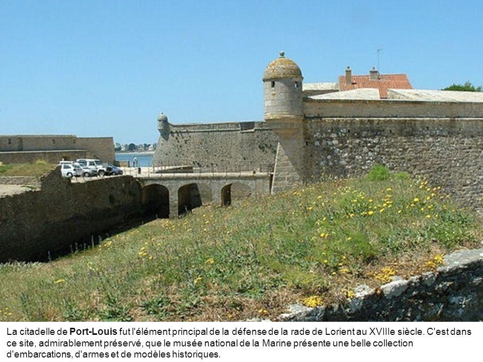 La citadelle de Port-Louis fut l élément principal de la défense de la rade de Lorient au XVIIIe siècle.