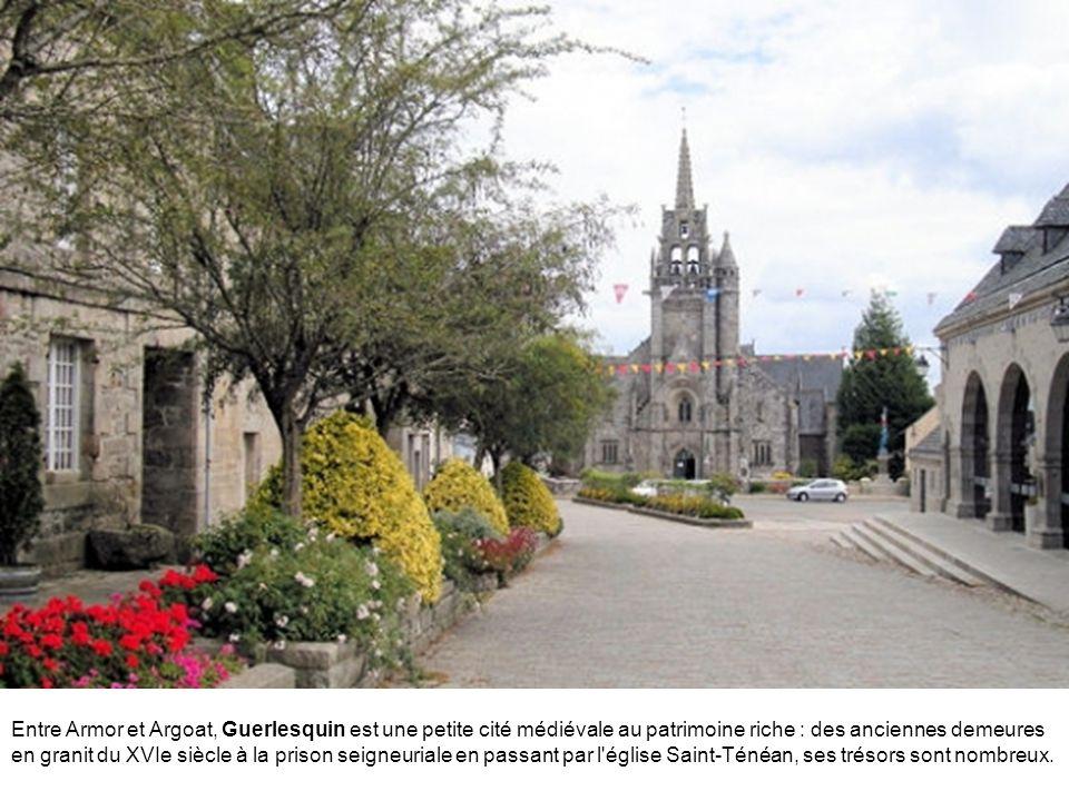 Entre Armor et Argoat, Guerlesquin est une petite cité médiévale au patrimoine riche : des anciennes demeures en granit du XVIe siècle à la prison seigneuriale en passant par l église Saint-Ténéan, ses trésors sont nombreux.