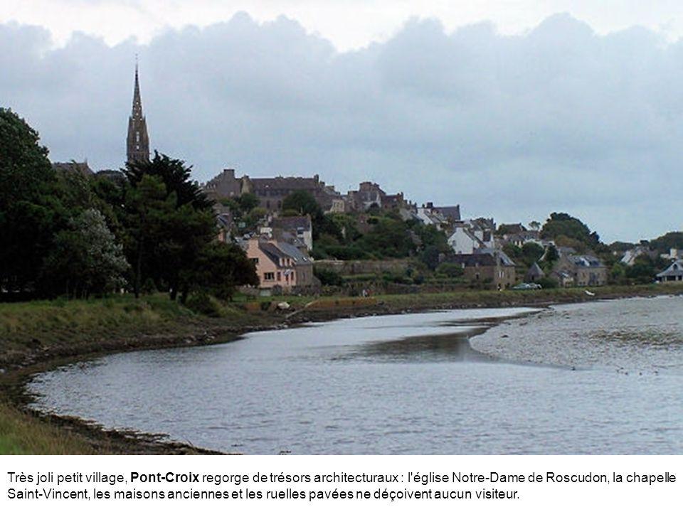 Très joli petit village, Pont-Croix regorge de trésors architecturaux : l église Notre-Dame de Roscudon, la chapelle Saint-Vincent, les maisons anciennes et les ruelles pavées ne déçoivent aucun visiteur.