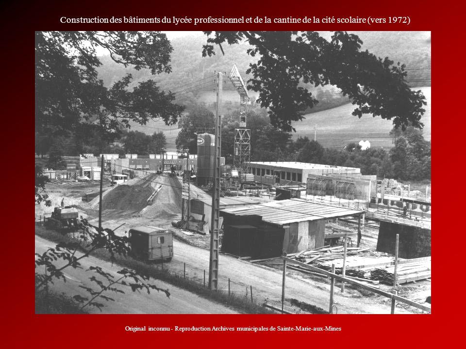 Construction des bâtiments du lycée professionnel et de la cantine de la cité scolaire (vers 1972)